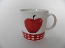 Apple Mug Minna Immonen
