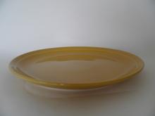 Oliivi -matala ruokalautanen keltainen Kermansavi