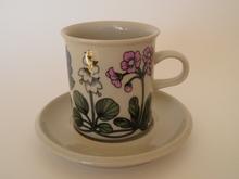 Flora kahvikuppi ja aluslautanen Arabia MYYTY
