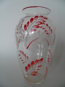Vase red-white