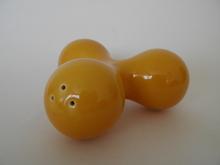 Toi Shaker yellow