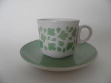 Kahvikuppi ja aluslautanen vaaleanvihreä vintage Arabia MYYTY