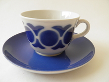 Kahvikuppi ja aluslautanen sininen Arabia MYYTY