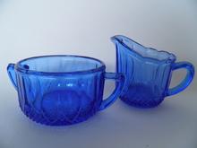 Sininen sokerikko ja kermakko Riihimäen lasi