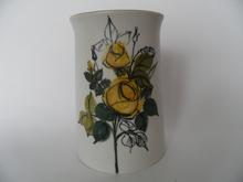 Keltainen ruusu maljakko HLA
