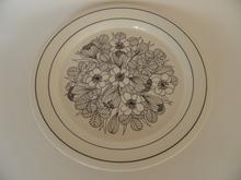 Krokus musta-valkoinen lautanen 19,8 cm