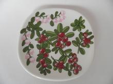Wall Plate Lingonberry Kerttu Nurminen