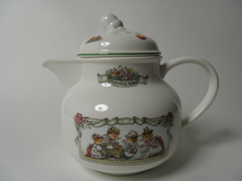 Foxwood Tales Tea Pot V&B