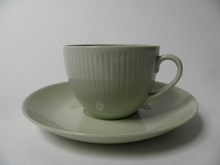 Sointu kahvikuppi ja aluslautanen vihreä Arabia