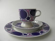 Pauliina kahvikuppi ja kaksi lautasta