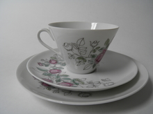 Rosalia kahvikuppi ja 2 lautasta Arabia