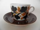 Kahvikuppi ja aluslautanen musta-ruskea Arabia MYYTY