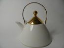 Harlekin Gold Tea Pot Arabia SOLD OUT
