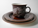 Kastanja Coffee Cup and 2 Plates