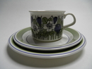 Krokus Coffee Cup and 2 Plates green SOLD OUT